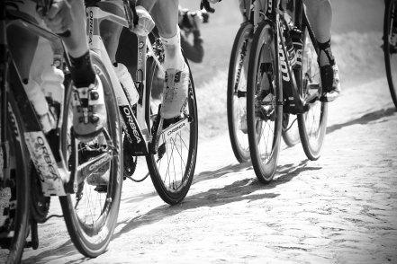 2018.04.20 cyclists feet simon-connellan-462404-unsplash