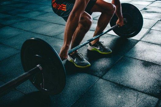 weight lifter victor-freitas-546919-unsplash